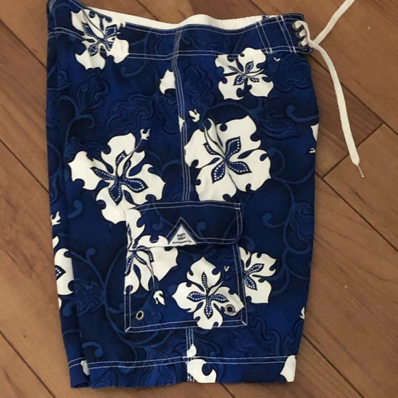 Hawaiian Hibiscus BILLABONG Swim Board Shorts Sz32